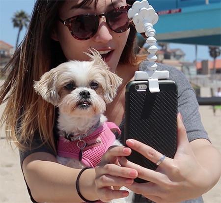 犬の笑顔が撮れるスマホ用ガジェット06
