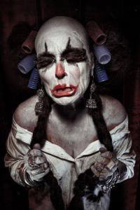 なんの癒しにもならない!超怖いピエロのコスプレ画像の数々の画像(17枚目)