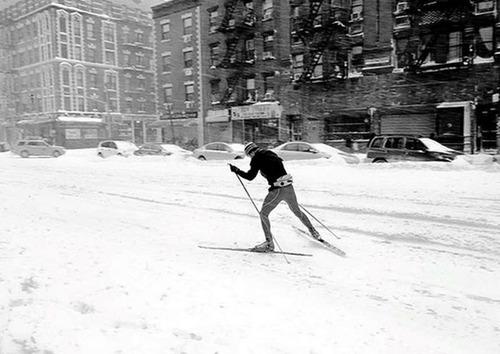 【画像】大雪のニューヨークで日常生活が大変な事になっている様子!の画像(16枚目)