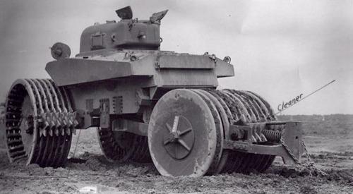 撤去は大変…昔の地雷処理戦車の画像の数々!!の画像(16枚目)