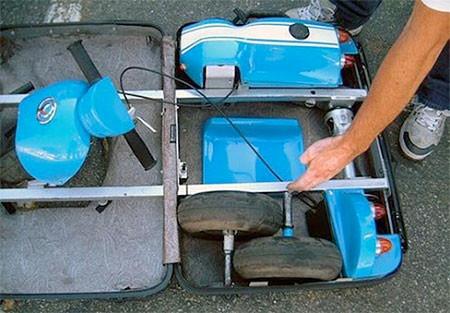【画像】スーツケースがカートに変身!!折りたたみ式エンジン付きのカートが凄い!!の画像(4枚目)