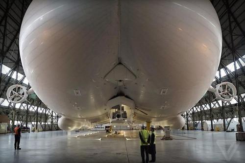 世界最大の飛行船「Airlander10」の画像(3枚目)