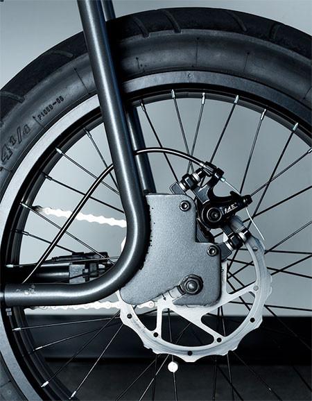 【画像】気分はアウトロー!バイクのように乗れる電動自転車!!の画像(14枚目)