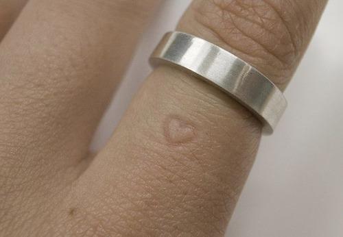 【画像】とりあえず欲しい!ちょっと面白い指輪の数々!!の画像(7枚目)