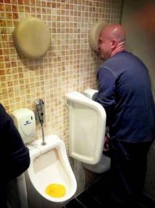 【画像】何だか不安になる無駄にクリエイティブなトイレの数々!!の画像(4枚目)