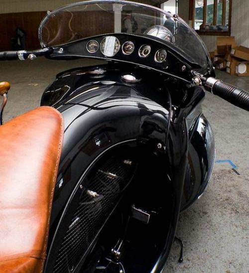 古いけど未来的!?50年以上前に作られたバイクがカッコいい!!の画像(5枚目)