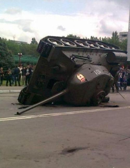 戦車が事故の画像(17枚目)