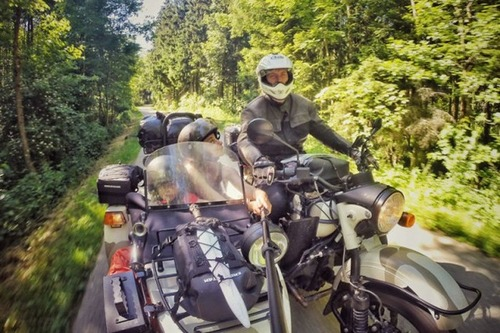 【画像】1台のバイクで家族3人が41カ国を4ヶ月で制覇!!の画像(8枚目)