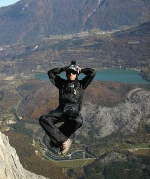 高くて怖い!!高所での怖すぎる記念写真の数々!!の画像(38枚目)