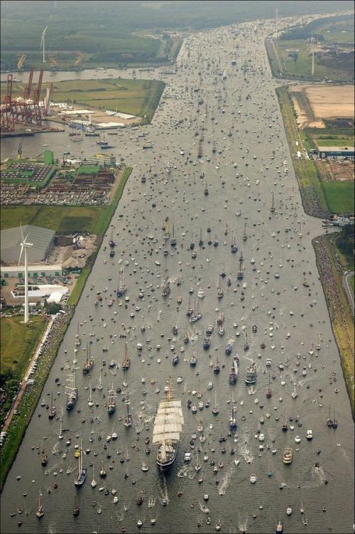 アムステルダムの帆船のフェスティバルが凄い!!の画像(2枚目)