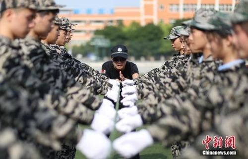 中国の兵士の訓練の内容がかなり無意味に思える・・・の画像(3枚目)