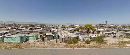 アフリカのケープタウンは富裕層と貧困層の住宅地1