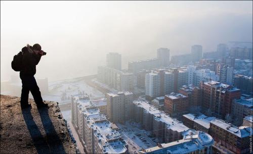 怖すぎる!超高層ビルで撮る自撮り写真!!の画像(4枚目)
