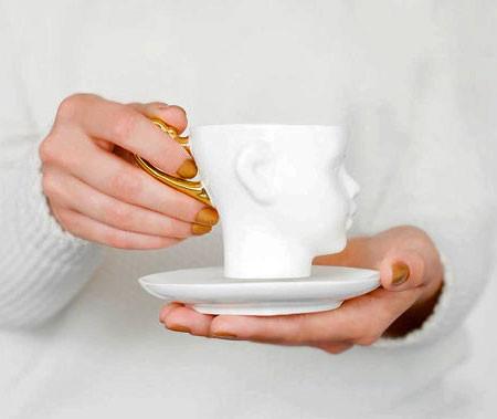 【画像】ちょっとカオスな人の頭のコーヒーカップ…の画像(8枚目)