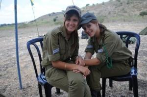 可愛いけどたくましい!イスラエルの女性兵士の画像の数々!!の画像(74枚目)