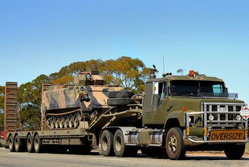 戦車が運べる超大型キャリアカーの画像(1枚目)