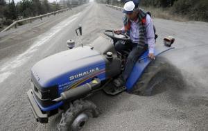 チリのカルブコ火山の噴火で街に積もった火山灰が酷い…の画像(8枚目)
