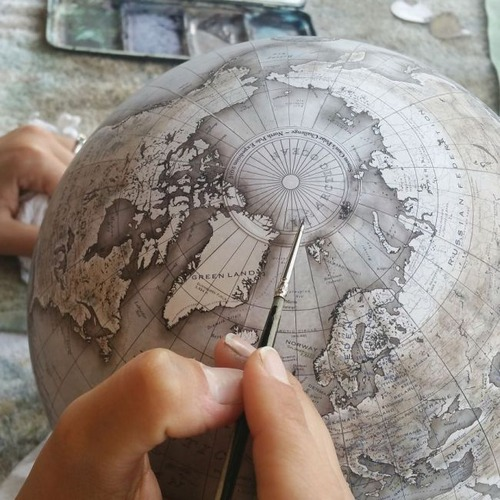 もはや芸術!手作りの地球儀「アトモスフェア」の製作風景が凄い!!の画像(23枚目)