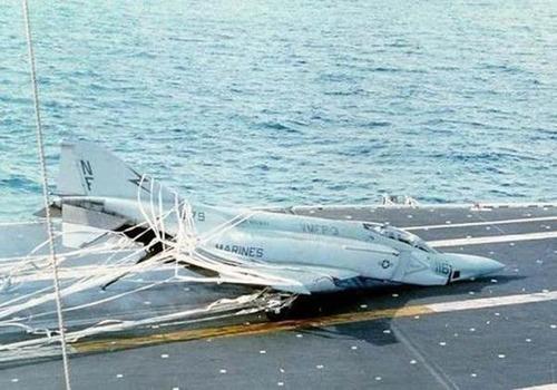 事故=大惨事!笑えるか笑えないか微妙な飛行機事故の画像の数々!!の画像(13枚目)
