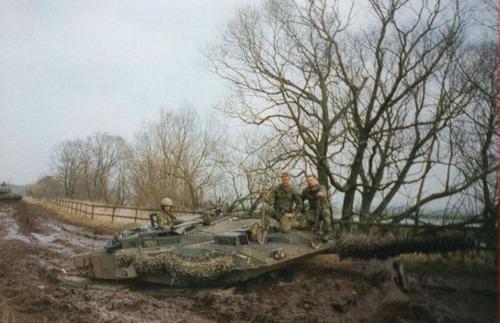 戦車が事故の画像(16枚目)