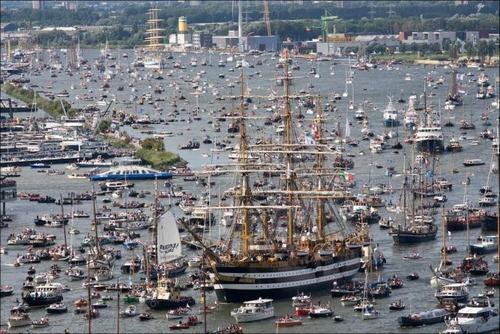 アムステルダムの帆船のフェスティバルが凄い!!の画像(1枚目)