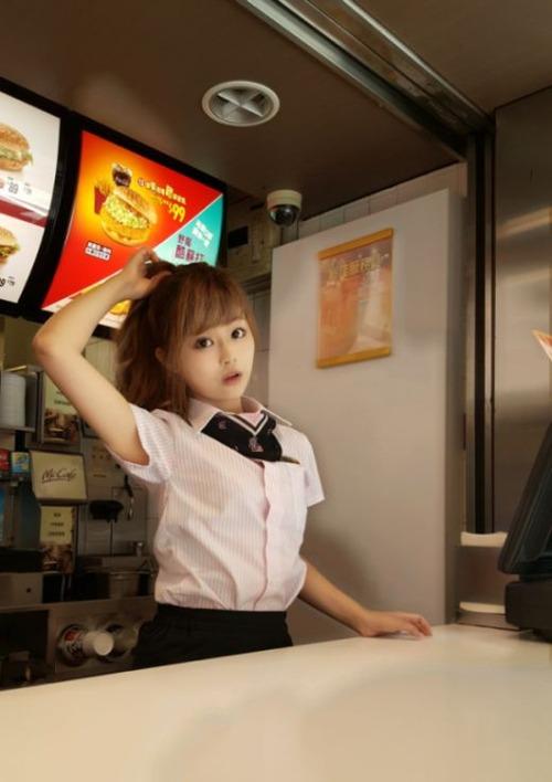 台湾のマクドナルドの女の子が!凄まじく可愛い!!の画像(3枚目)