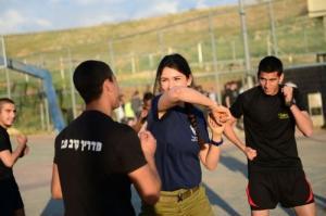 可愛いけどたくましい!イスラエルの女性兵士の画像の数々!!の画像(22枚目)