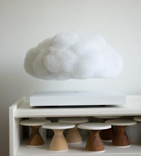 空中に浮かぶ雲の置物06