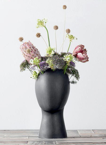 【画像】人の頭から花や植木が生えてくる植木鉢wwwの画像(9枚目)