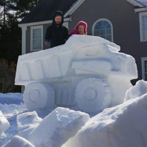 【画像】海外の雪祭りとか色々な雪像がやっぱ海外って感じで面白いwwwの画像(16枚目)