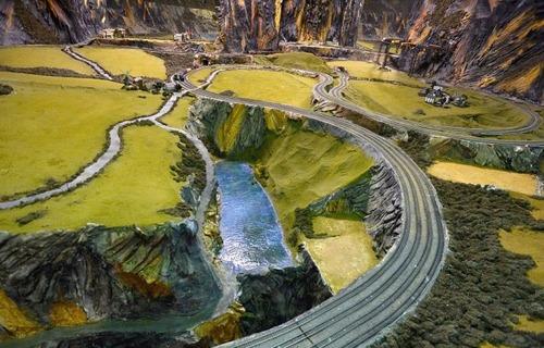 電車は小さいのに世界一大きな電車のジオラマが凄い!!の画像(5枚目)