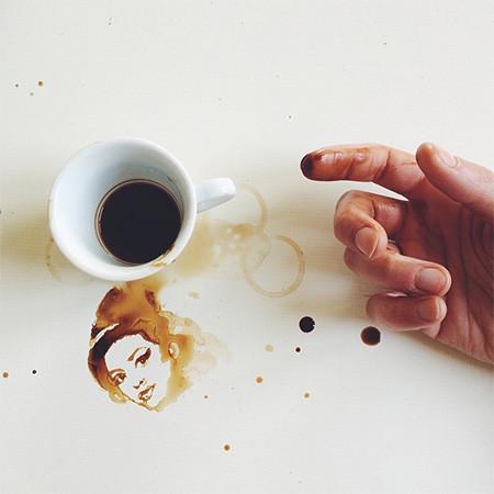 【画像】こぼれたコーヒーのシミで絵を描く!洋風の水墨画のようなアート!!の画像(15枚目)