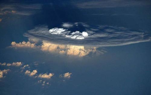 宇宙飛行士しか見ることが出来ない地球の絶景の画像の数々!!の画像(15枚目)