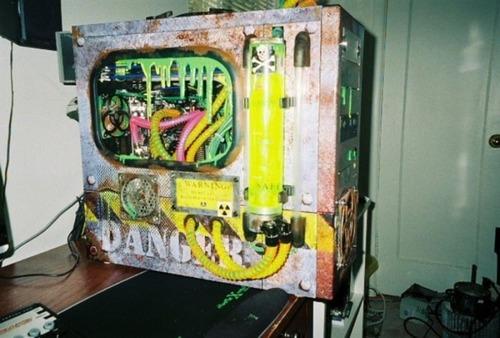 【画像】芸術の域に達している自作パソコンが凄い!!の画像(13枚目)