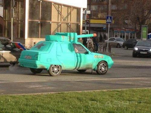 【画像】とりあえず目を引く!かっこ良かったり悪かったりする自動車のカスタム!!の画像(23枚目)