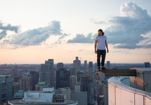 怖すぎる!超高層ビルで撮る自撮り写真!!の画像(12枚目)