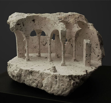 大理石を切り抜いて作った神殿のミニチュア06