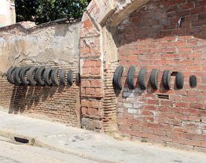 【画像】廃棄タイヤが不思議なアートに変身!の画像(6枚目)