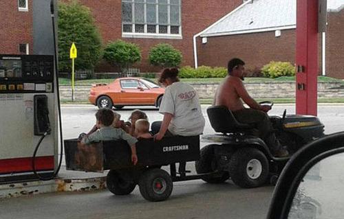 もはや職人技!?自動車やバイクで凄いものを運んでる画像の数々!!の画像(29枚目)