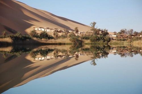 サハラ砂漠にある小さなオアシスが美しすぎて凄い!の画像(8枚目)