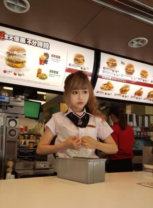 台湾のマクドナルドの女の子が!凄まじく可愛い!!の画像(5枚目)