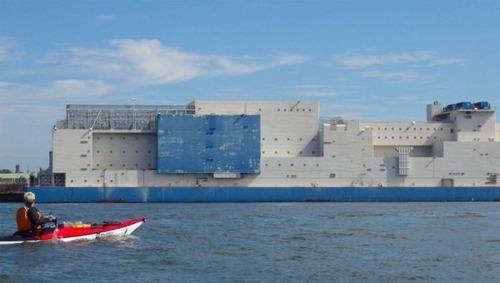 海に浮かぶ島のような監獄の画像(4枚目)