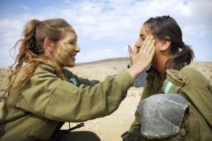 可愛いけどたくましい!イスラエルの女性兵士の画像の数々!!の画像(3枚目)