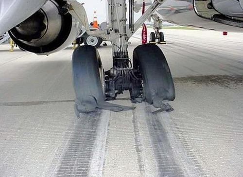 事故=大惨事!笑えるか笑えないか微妙な飛行機事故の画像の数々!!の画像(37枚目)