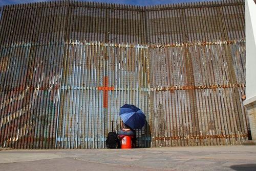 アメリカとメキシコの間の壁の画像(9枚目)