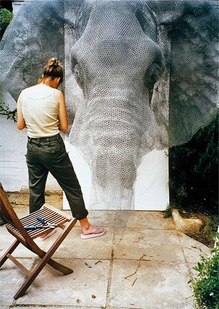 金網で作られた動物の画像(2枚目)