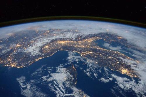 宇宙飛行士しか見ることが出来ない地球の絶景の画像の数々!!の画像(9枚目)