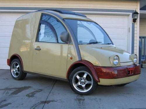 変ったデザインの自動車の画像(3枚目)