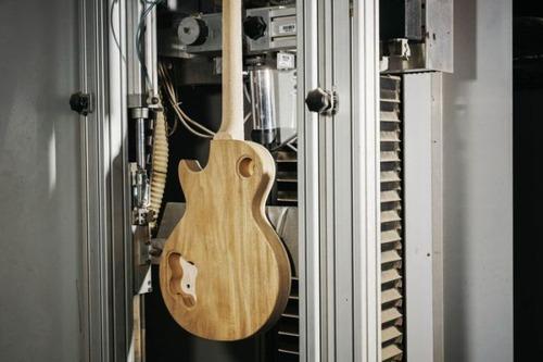丹精込めて手作りされる超高級ギターのギブソン・レスポールの製作風景の画像の数々!!の画像(5枚目)