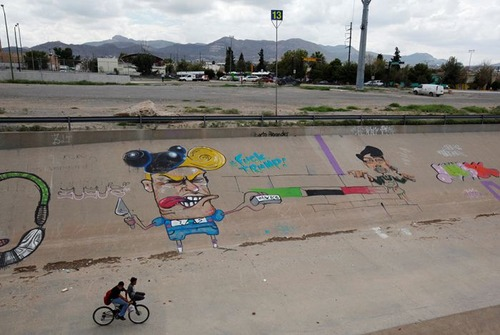 アメリカとメキシコの間の壁の画像(3枚目)